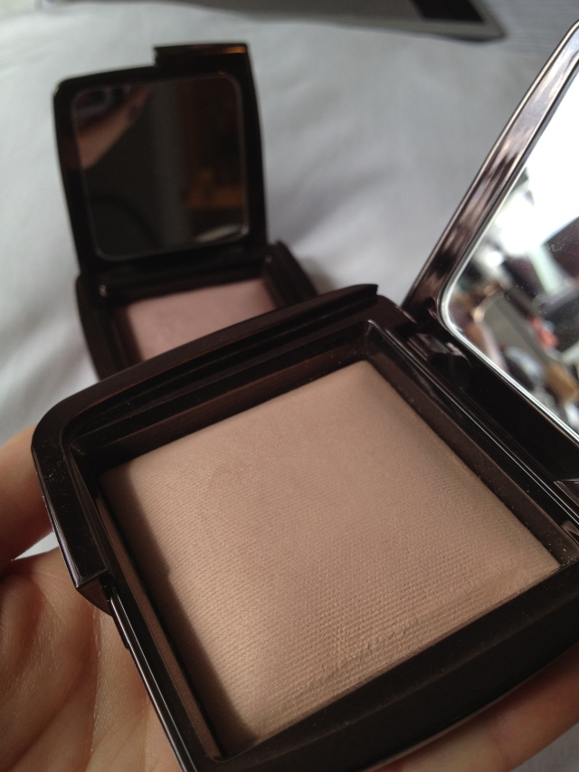 Hourglass Dim Lighting Ambient Lighting Powder
